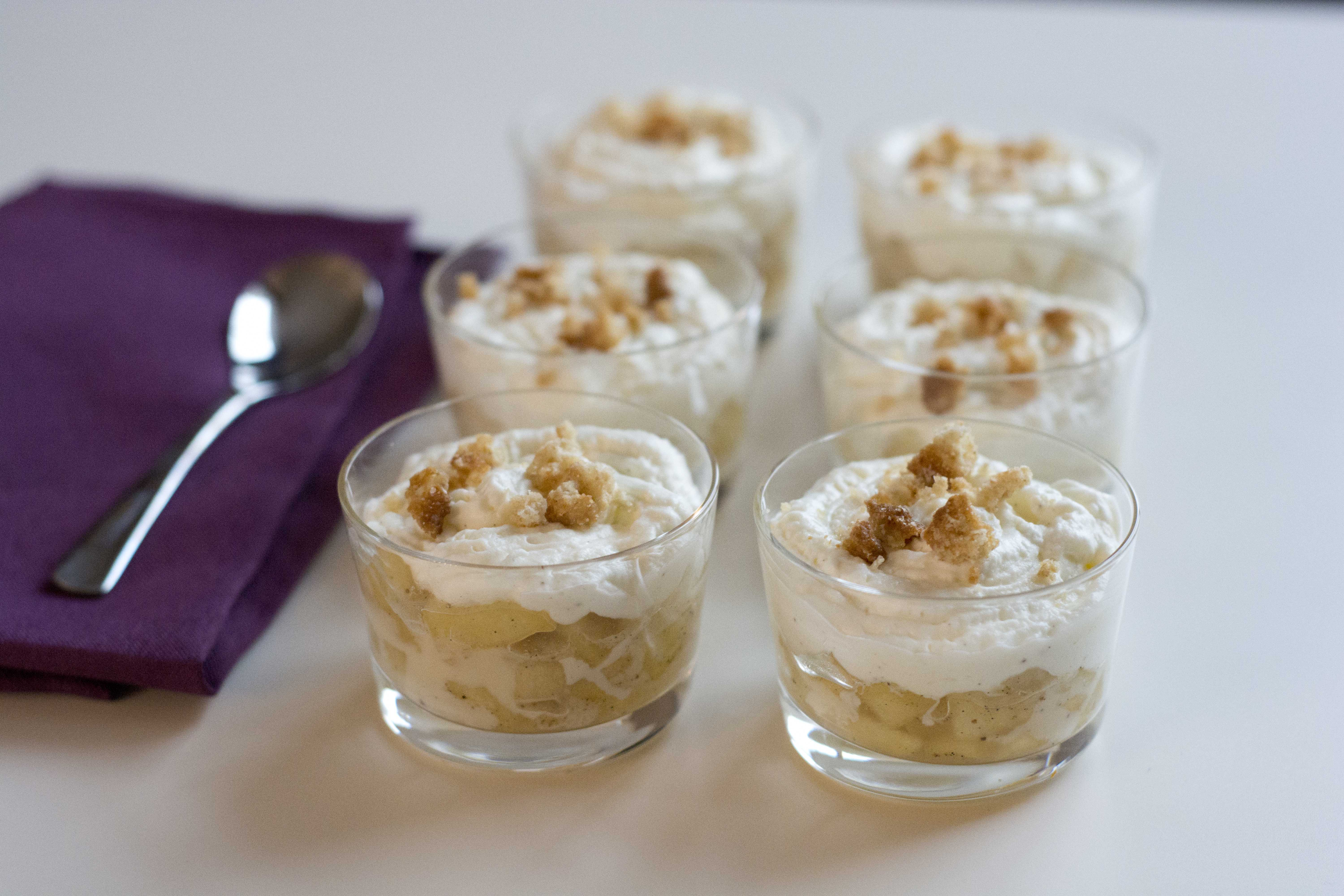 Verrine pomme vanille chantilly biscuit, ou gourmandise ...